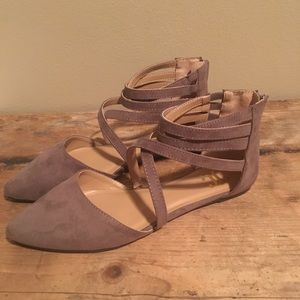 Juicy Couture - Taupe Flats - NEW